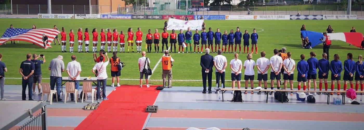 Photo Réceptif sportif rencontre féminine de foot USA France